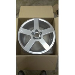 "Volvo Pegasus 17"" Wheel Bright Silver"