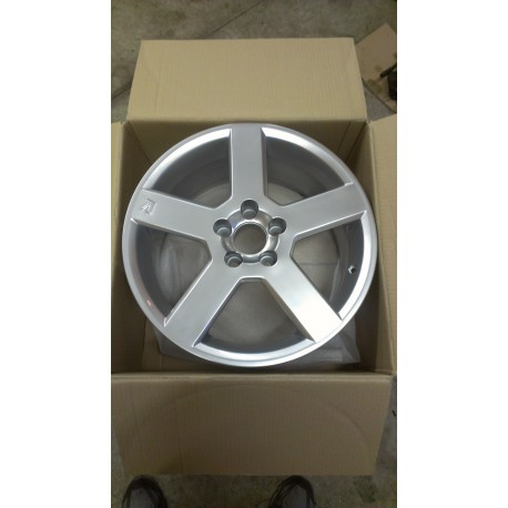 "Volvo Pegasus 17"" Wheel Bright Silver"